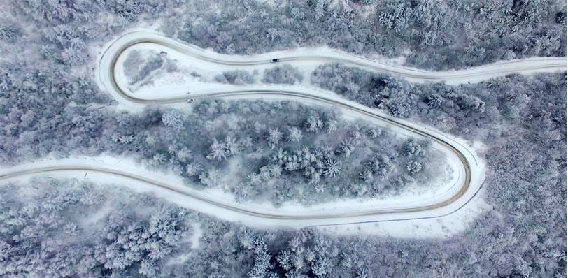 鸟瞰冬日秦岭
