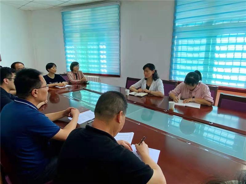 灞桥区总工会开展教师节慰问活动